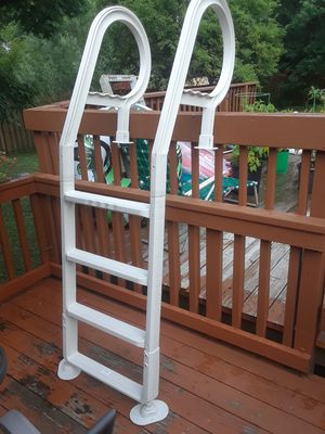 Pool ladder for Sale in Northfield, OH