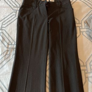 Micheal Kors Woman Pants - Size 4 - Barely Used - Excellent Fit And Formal Look for Sale in Alpharetta, GA