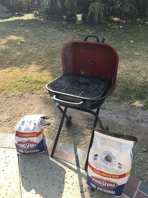 Kingsford Coal grill (Good Condition) for Sale in Covina, CA