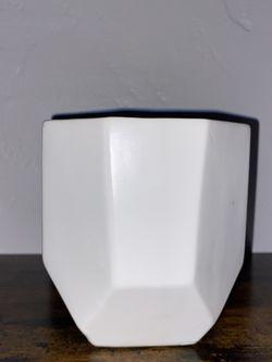 Lund Ceramic Cachepot for Sale in Los Angeles,  CA