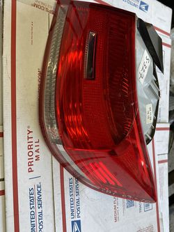 2007-2010 BMW 3 Series Coupe Tail Light Passenger Side W-4885 for Sale in Los Angeles,  CA