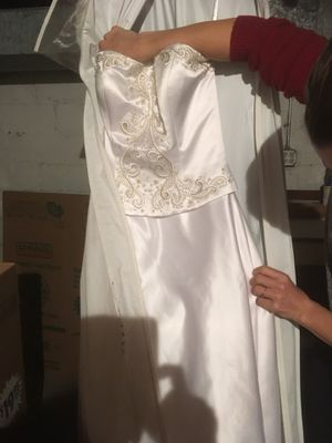 Oleg Cassini wedding gown for Sale in Pittsburgh, PA