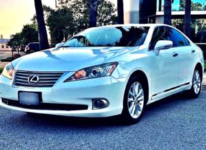 2O1O Lexus ES350 📳 for Sale in Iowa City, IA