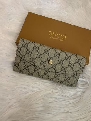 Gucci GG wallet with cardholder for Sale in Crowley, TX