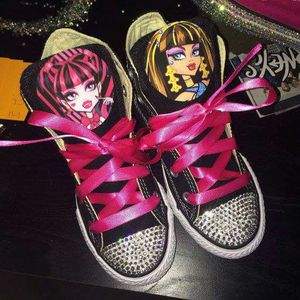 Monster high custom converse sneakers for Sale in Columbus, OH