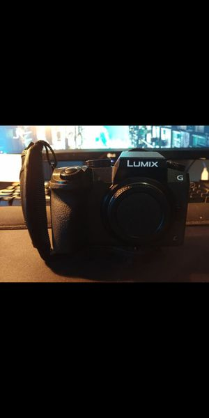 Panasonic Lumix G7 Body DSLR CAMERA with Lens for Sale in Austin, TX