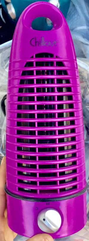 ChillOut mini tower fan in Radiant Orchid for Sale in Phoenix, AZ