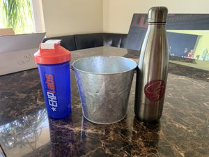 Ice bucket - wine cooler - protein shake maker with ball for Sale in Los Angeles, CA