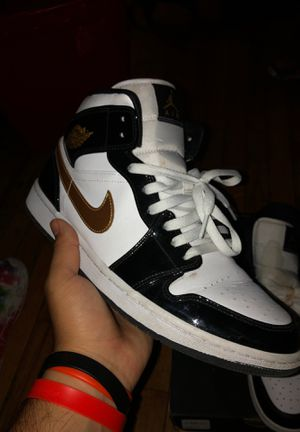 air jordan 1s mid size 11 for Sale in Forest Heights, MD