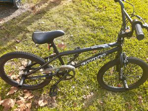 Ozone 500 Damage boys bike for Sale in Taylor Landing, TX