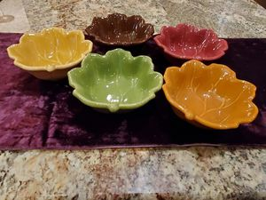 "Five (5) Henn Pottery 6"" Leaf Bowls for Sale in PA, US"