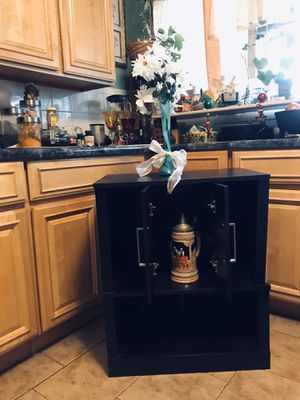 Small bar / table 30 in tall 25 wide 15 sides has closed shelf... can be used as bar .. buffet table .. tv stand etc for Sale in East Rutherford, NJ