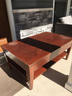 Tv stand or coffee table for Sale in Naperville, IL