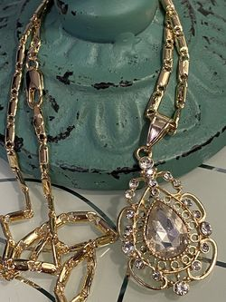 """Teardrop Pendant With Chain Necklace 20"""" 3mm for Sale in Nashville,  TN"""