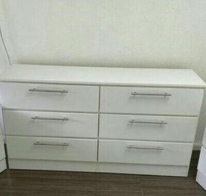 NEW DRESSER WHITE, for Sale in Miami, FL