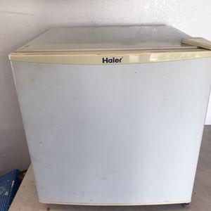 Mini refrigerator for Sale in Newport Beach, CA