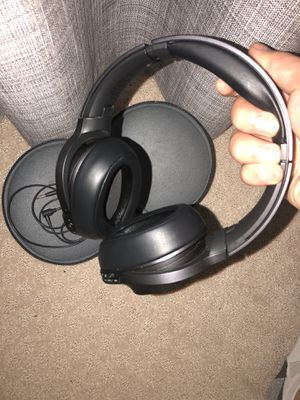 Sony wireless noice canceling headphone for Sale in Vienna, VA