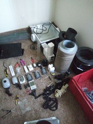600w hps lights and tent and accessories for Sale in Phoenix, AZ
