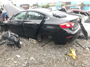 FOR PARTS ONLY 2017 CHEVY CRUZE! for Sale in Melvindale, MI