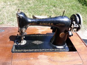 1940s Singer Sewing Machine Table for Sale in Roanoke, VA
