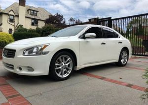 Leather, heated seats and navigation Nissan Maxima SV 2010 for Sale in Abilene, TX