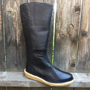 El Naturalista womens boots black leather sz 7 for Sale in Riverside, CA
