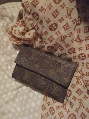 Authentic Louis Vuitton monogram wallet and scarf (read description) for Sale in Lincoln Acres, CA