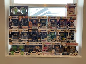 Huge funko pop lot and more. Batman,Wonder Woman ,Harley Quinn , Aquaman and more for Sale in Port St. Lucie, FL