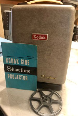 Kodak Cine Showtime Projector with 3 movies for Sale in Zephyrhills, FL