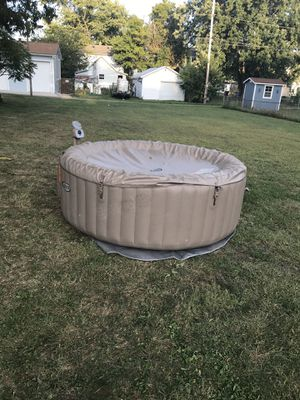 Hot tub for Sale in Newark, OH