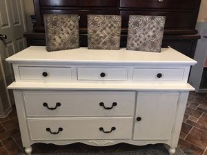 Elegant Provincial White Dresser for Sale in Perris, CA