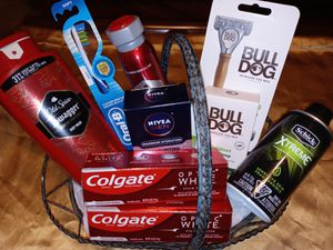 Holiday Gift Basket for Sale in Converse, TX