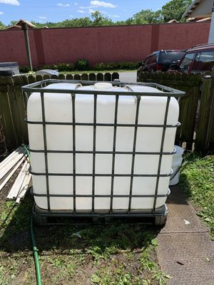 275 gal Schultz tank for Sale in Brunswick, MD