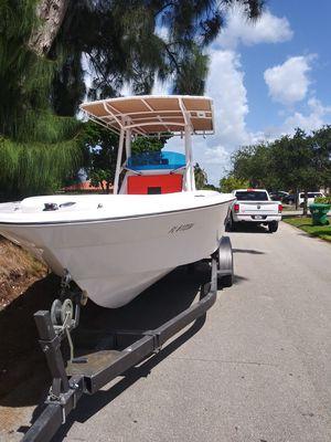 North American Open Fish 25 ft for Sale in Miami, FL
