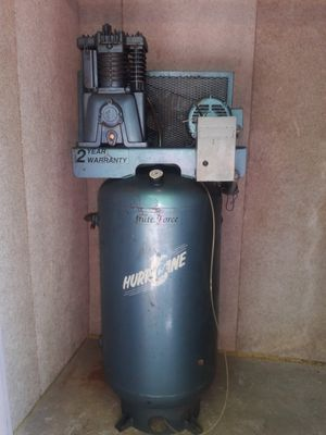 Hurricane air compressor for Sale in St. Louis, MO