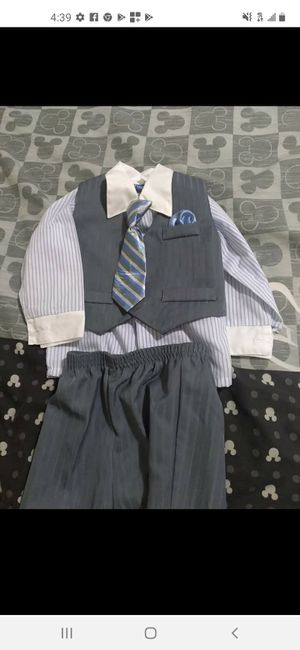 Free boy size 18 suit for Sale in Salinas, CA
