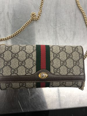 Gucci side wallet for Sale in Dallas, TX