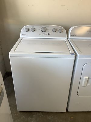 Whirlpool Washer Dryer Gas Combo On Clearance Home Appliance for Sale in Tampa, FL
