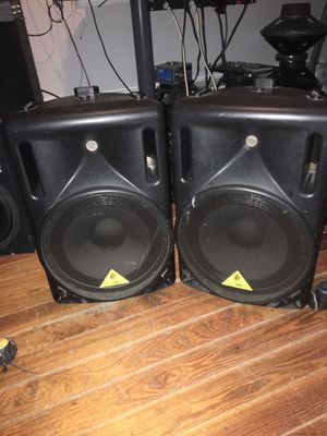 BERINGER power speakers 12 inches 550 watts for Sale in Boston, MA