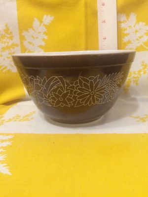 Pyrex 401 woodland mixing bowl for Sale in Vero Beach, FL