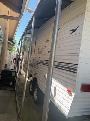 2002 5th Wheel Trailer, VERY Clean, current tags 24' for Sale in Modesto, CA