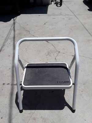 SMALL STEP LADDER for Sale in Los Angeles, CA