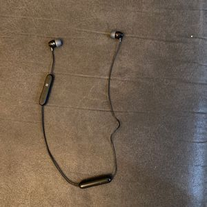 Sony Wi-c300 WIRELESS Bluetooth Earbuds for Sale in Bothell, WA