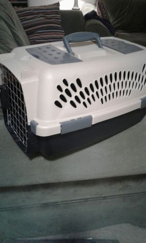 Cat carrier for small/med! pick up only for lower cost for Sale in Odenton, MD