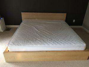King Bed FRAME Only for Sale in Nashville, TN