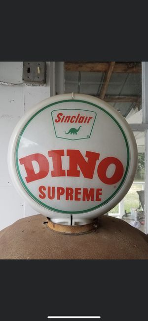 Antique 1950's Sinclair gas globe the glass is original but the holder ring is a Reproduction. for Sale in London, OH