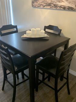 Special Brand New Pub Dining Set ( Table and 4 Chairs Wood ) ⭐️😊☀️ for Sale in Chula Vista,  CA