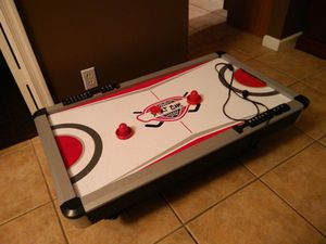 Kids Small electric air hockey table for Sale in Lake Worth, FL