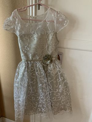 Dress Silver/gold size 8 for Sale in Lynwood, CA