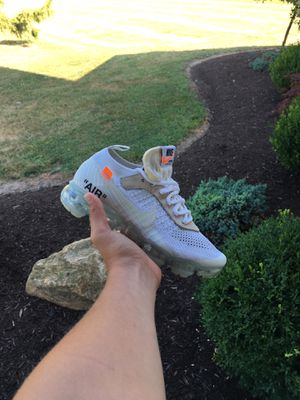 Off-white Nike vapor max size 4 for Sale in Milton, PA